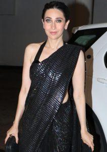 Karisma Kapoor stuns in this black sari at LFW 2019Karisma Kapoor stuns in this black sari at LFW 2019