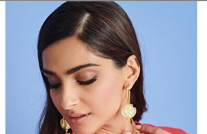 Sonam Kapoor Ahuja stuns in this red outfit