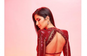 Katrina Kaif dazzels in red sequinned dress at IIFA Rocks 2019