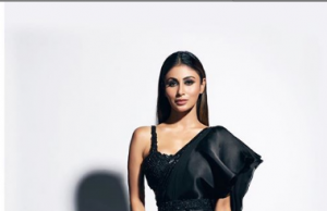 Mouni Roy looks super HOT in black sari