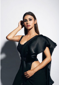 Mouni Roy looks super HOT in black sari