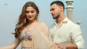 Aayush Sharma and Saiee Majrekar's Manjha