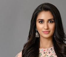 Quite unfair - Was once rejected because actor-producer demanded somebody fairer: Nikita Dutta