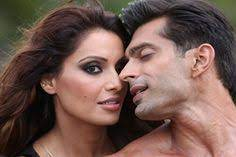"""Bipasha Basu and me look hot together,"" Karan Singh Grover waxes eloquent about his ladylove"