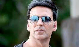 Akshay Kumar returns home post COVID-19 recovery and sends out festive wishes to everyone
