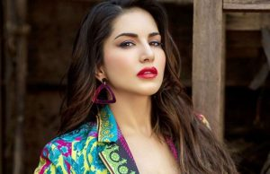 Sunny Leone soars the temperatures with her beach pictures